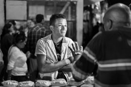 At the Cheesburger Stand, Viñalese ©Doug Kaye