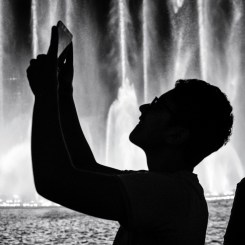 videographer at Dubai Fountain, Dubai Mall