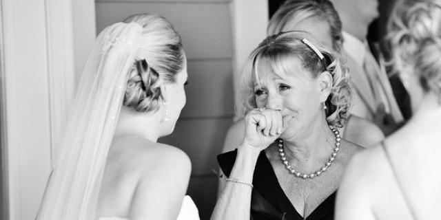 These Mother Daughter Wedding Moments Are Super Sweet