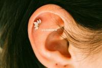 Diamond Earrings: Single Earring Upper Ear