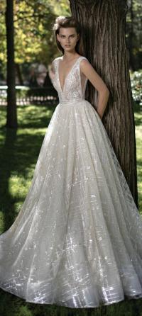 32 Sexy Deep Plunging V Neck Wedding Dresses #2551894 ...