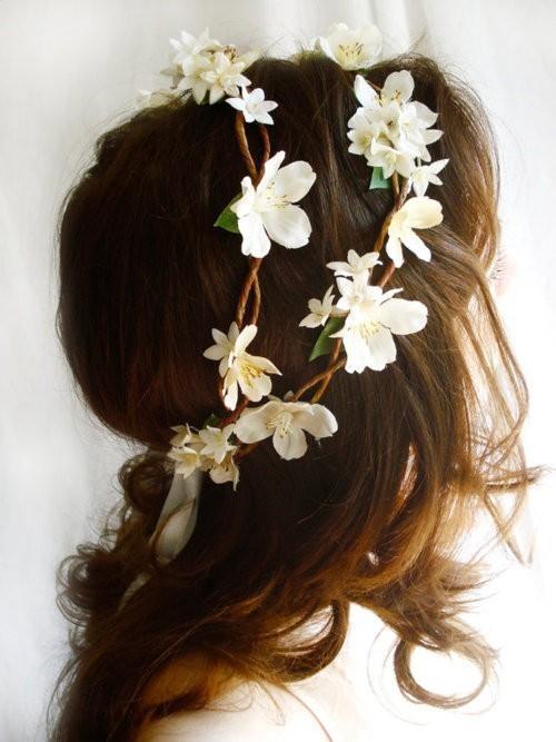 Haar Blumen Mädchen Frisur #2036982 Weddbook