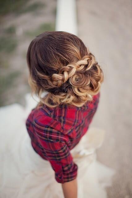 Haar Weddings! Wunderschöne Frisuren #2077576 Weddbook