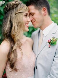 Hair - Bride With Loose Waves #2144096 - Weddbook