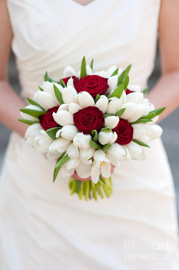 Red Rose And White Tulip Wedding Bouquet Print By Lee