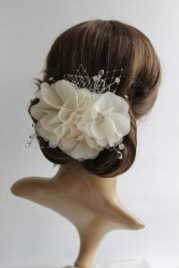 White Ivory Bridal Hair Flower, Wedding Flower Hair Clip
