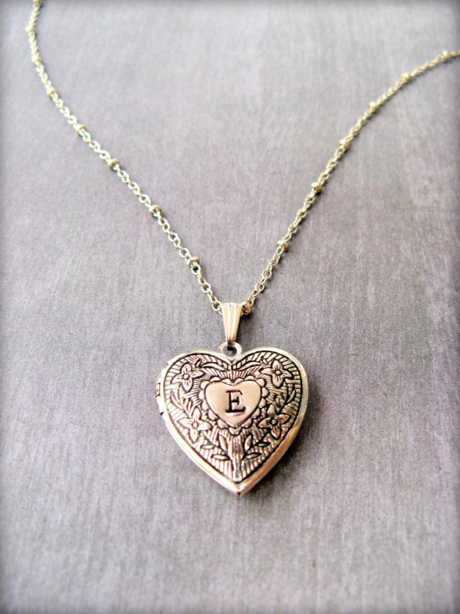personalized heart locket necklace