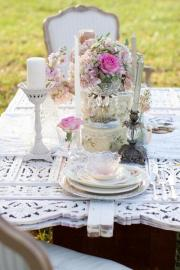 pink & shabby chic wedding table