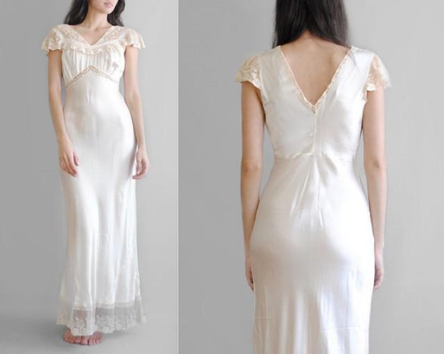 30's Silk Gown // 1930's Bias Cut Nightgown // Silk