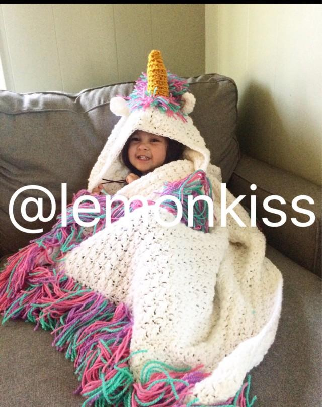 Sparkling Hooded Unicorn Blanket Unicorn Blanket Rainbow