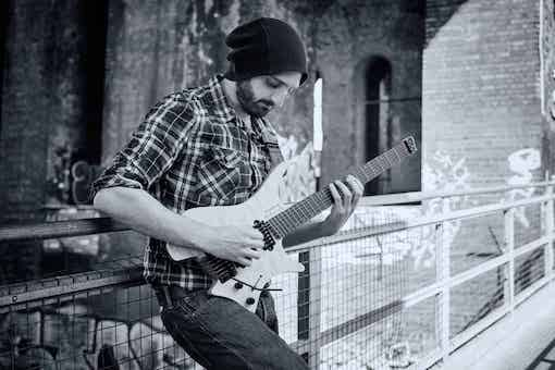 Guitar Lessons in Birmingham, by Zaid Crowe