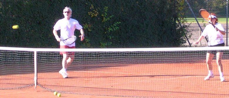Die Tennisanlage umfasst sechs Sandplätze.
