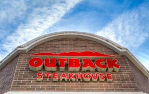 Ken Wolter / Shutterstock.com
