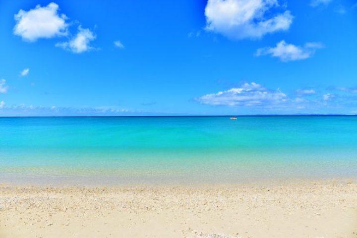 60e90e874cb 沖縄の海で遊ぶならココで決まり!とっておきのビーチ20選 | SOTOASOBI ...