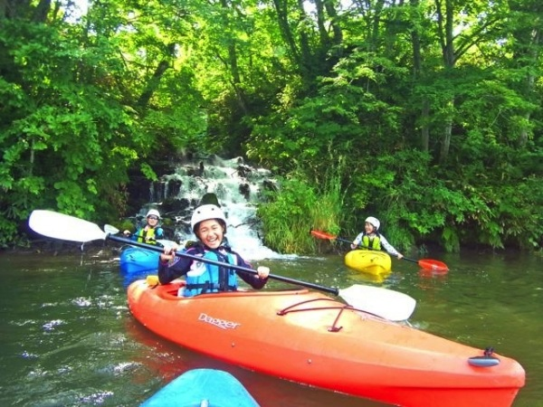 outfitter_kayak_river
