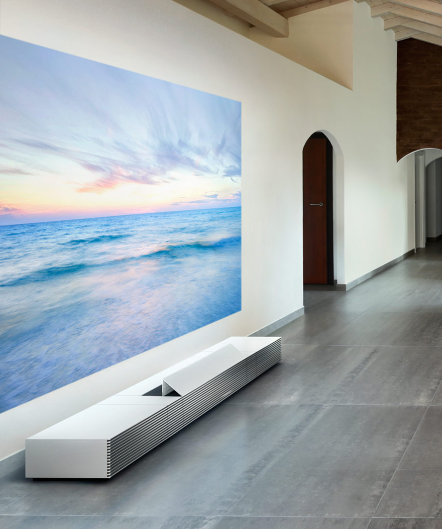 Sonys Gorgeous FloorBorne ShortThrow Projector