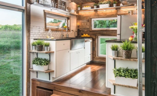 Check Out The Features Of A 95 000 Luxury Tiny House Core77