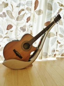 Wooden Guitar Stand by Tom Norrington at Coroflotcom