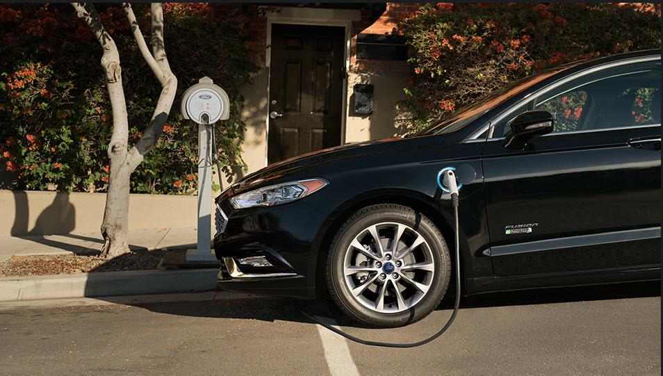 2017 Ford Fusion Energi Platinum Review