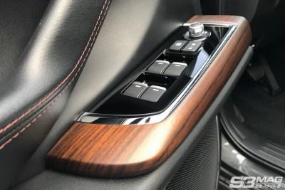 CX9 interior 5