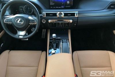 Lexus GS dash