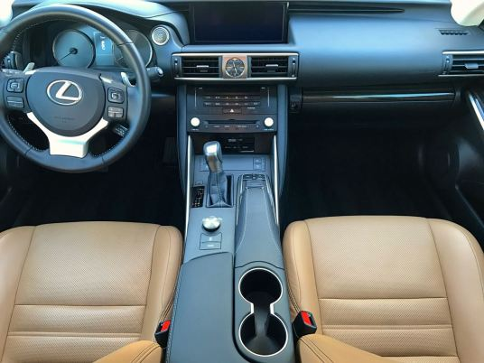 Lexus IS350 interior