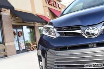 Toyota Sienna headlights grille