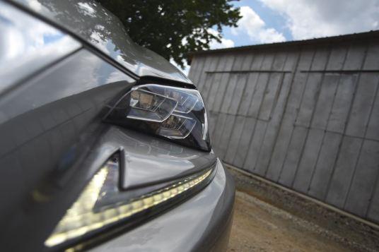 Lexus RC 350 headlights