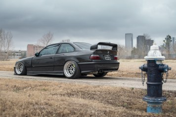 s3-magazine-LS-E36-M3-11-rear-side