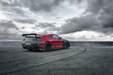 GTR-Red-Carbon-1