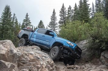 Toyota-Tacoma-Offroad-4x4-TRD-Sport-32