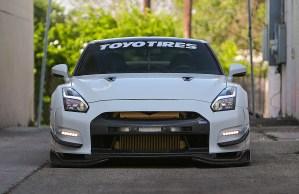 Nissan GTR front
