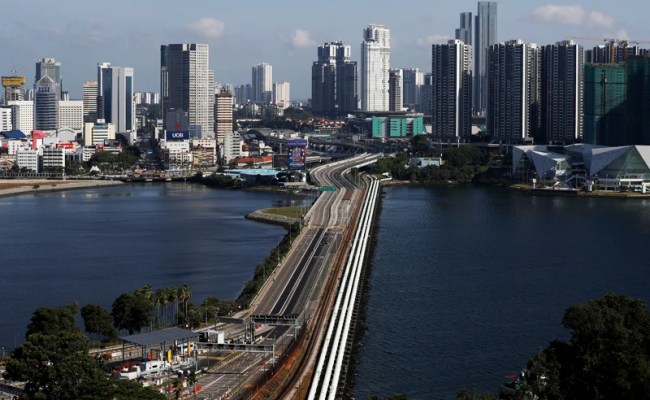 Singapore To House Malaysian Workers During Mco Period