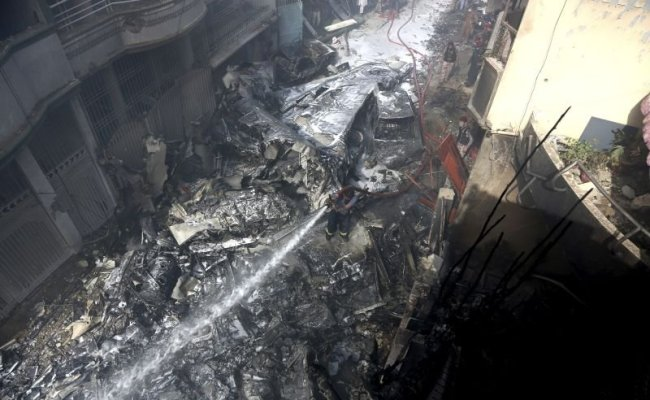 80 Bodies Recovered More Feared Dead In Pakistan Plane