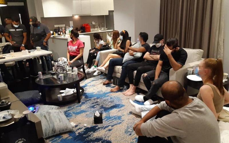 'Private party' di bilik hotel, 4 penjawat awam antara 32 ditahan