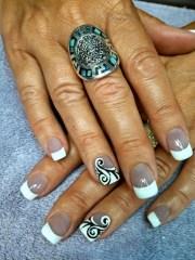 black & white swirls - nail art