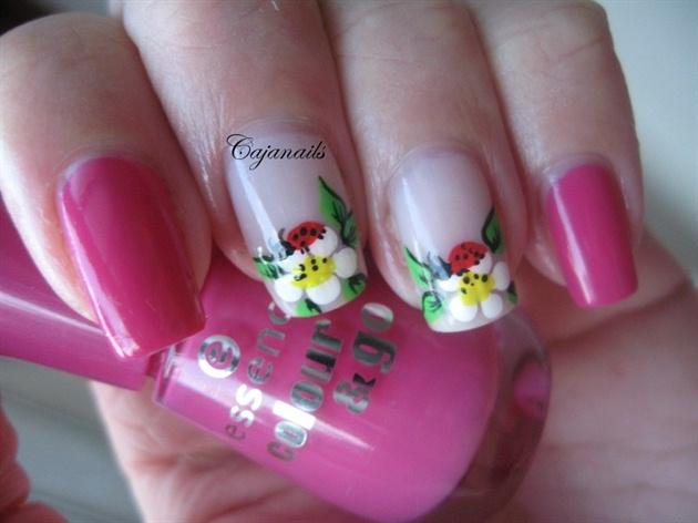 Nail Art Ladybug On Flower