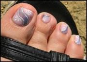 nail art abstrait sur les pieds