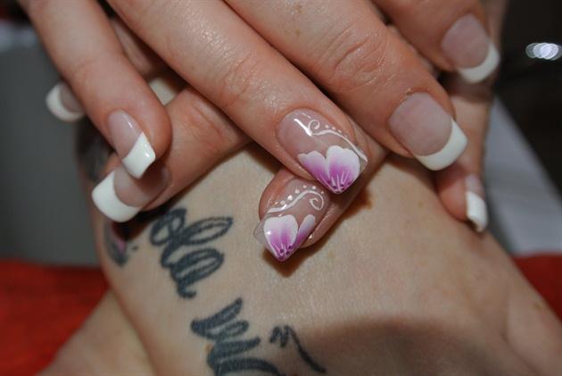 Micropittura Nail Art Rose Paolina