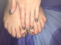 Abstract Christmas Ornaments--Toes - Nail Art Gallery