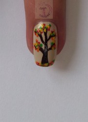 diy easy fall tree - nail art