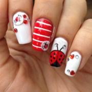 lovely ladybug - nail art