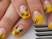 tweety bird - nail art