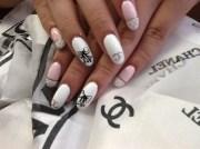 classic chanel - nail art
