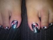 art toe nails flying heart