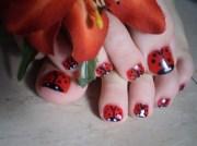 ladybug toes - nail art