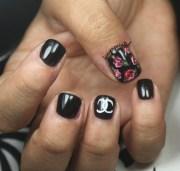 floral chanel nails - nail art