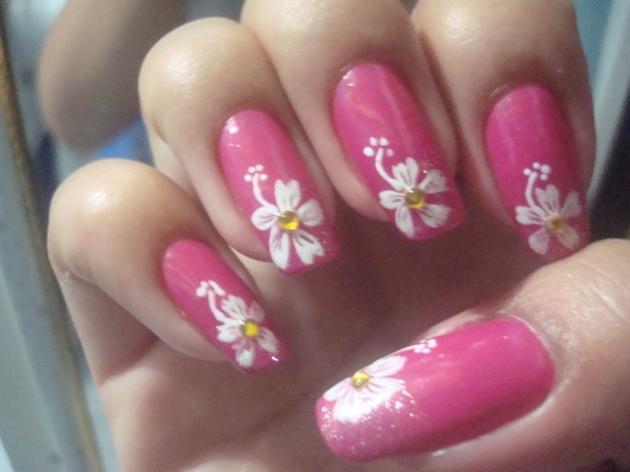 Hawaiian Flower Nail Art