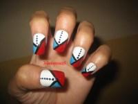 Lines and dots nail design - Nail Art Gallery