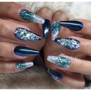 chrome and glitter ombr - nail